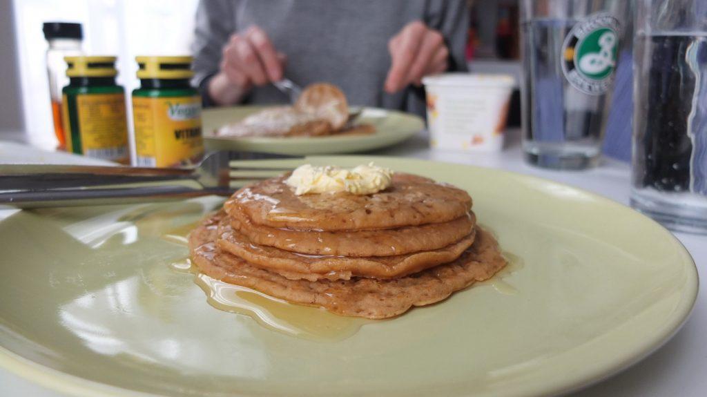 Petit déjeuner, glucides sont conseillés au réveil