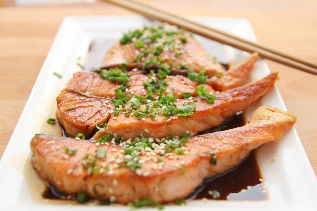 Privilégier les repas à base de saumon