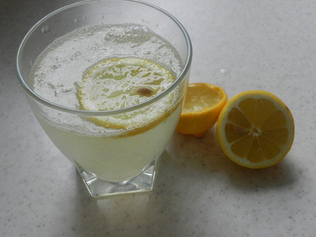 Jus du régime détox citron
