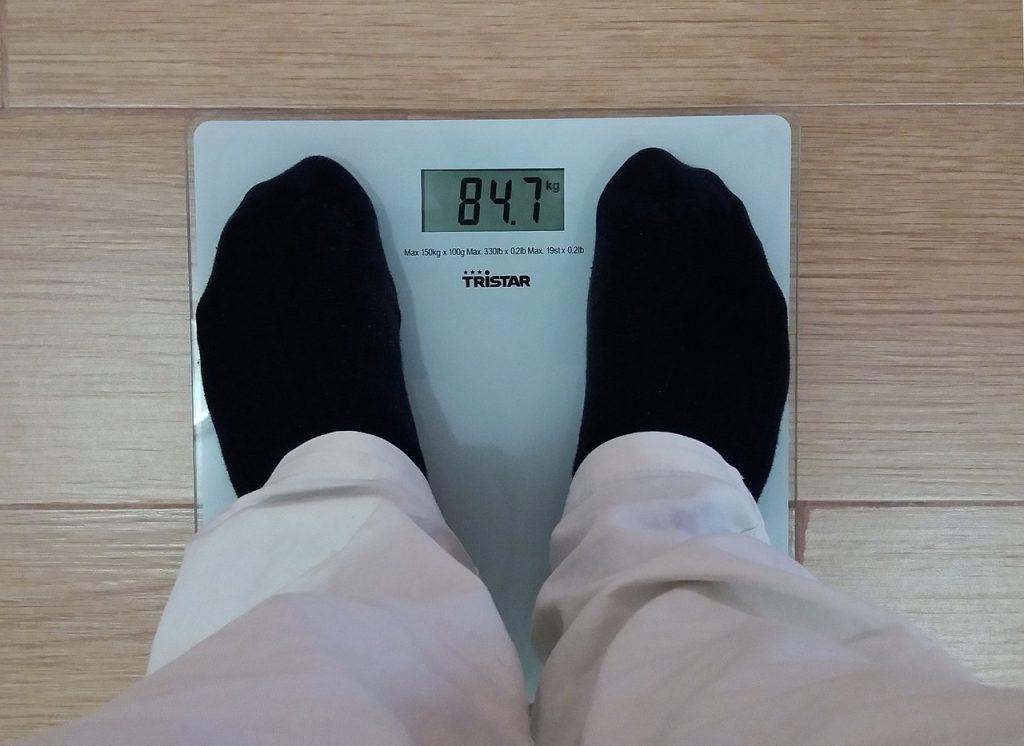 Personne pesant 84 kg