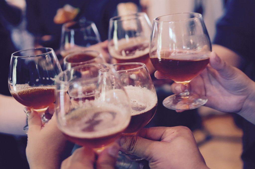 boire du vin entre amis