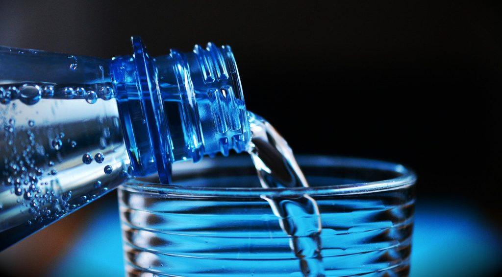 se servir de l'eau